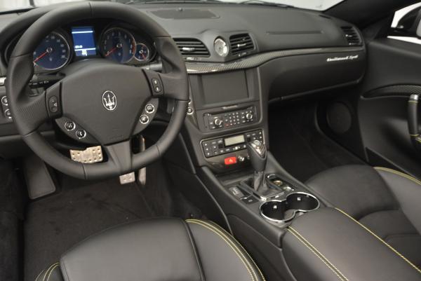 New 2017 Maserati GranTurismo Convertible Sport for sale Sold at Aston Martin of Greenwich in Greenwich CT 06830 21