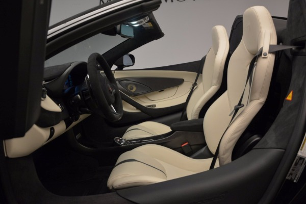 New 2018 McLaren 570S Spider for sale Sold at Aston Martin of Greenwich in Greenwich CT 06830 26