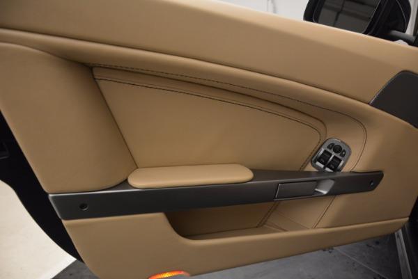 Used 2014 Aston Martin V8 Vantage Roadster for sale Sold at Aston Martin of Greenwich in Greenwich CT 06830 22