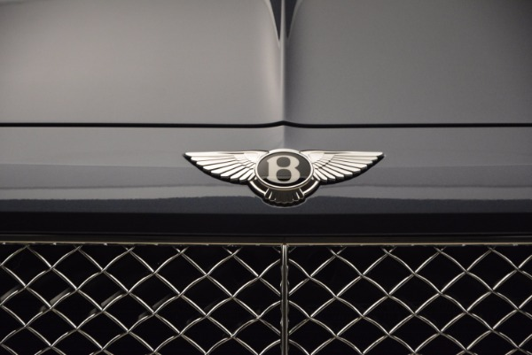Used 2018 Bentley Bentayga Onyx for sale Sold at Aston Martin of Greenwich in Greenwich CT 06830 14