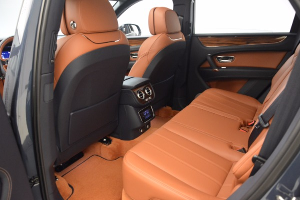 Used 2018 Bentley Bentayga Onyx for sale Sold at Aston Martin of Greenwich in Greenwich CT 06830 24