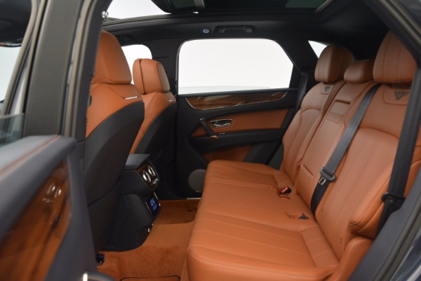 Used 2018 Bentley Bentayga Onyx for sale Sold at Aston Martin of Greenwich in Greenwich CT 06830 25