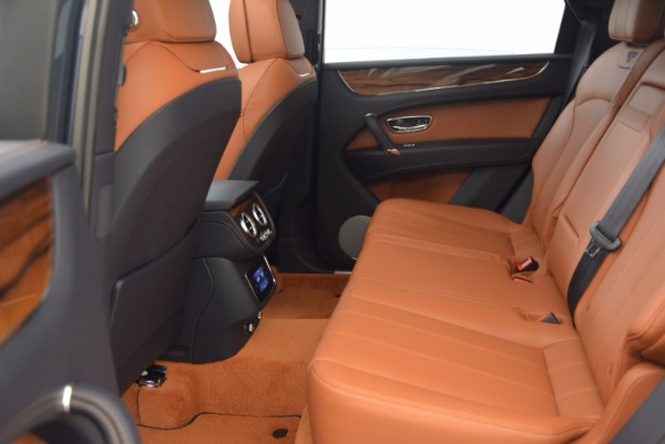 Used 2018 Bentley Bentayga Onyx for sale Sold at Aston Martin of Greenwich in Greenwich CT 06830 26