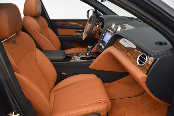 Used 2018 Bentley Bentayga Onyx for sale Sold at Aston Martin of Greenwich in Greenwich CT 06830 28