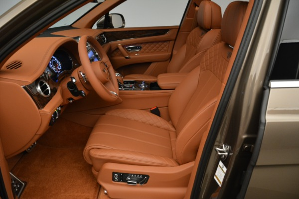 Used 2018 Bentley Bentayga W12 Signature for sale $156,900 at Aston Martin of Greenwich in Greenwich CT 06830 20