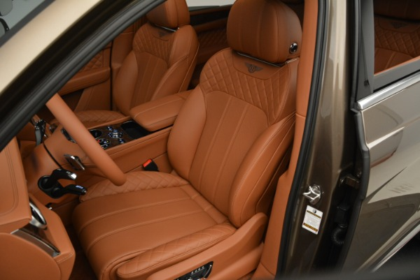 Used 2018 Bentley Bentayga W12 Signature for sale $156,900 at Aston Martin of Greenwich in Greenwich CT 06830 21