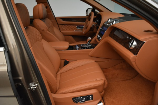 Used 2018 Bentley Bentayga W12 Signature for sale $156,900 at Aston Martin of Greenwich in Greenwich CT 06830 28
