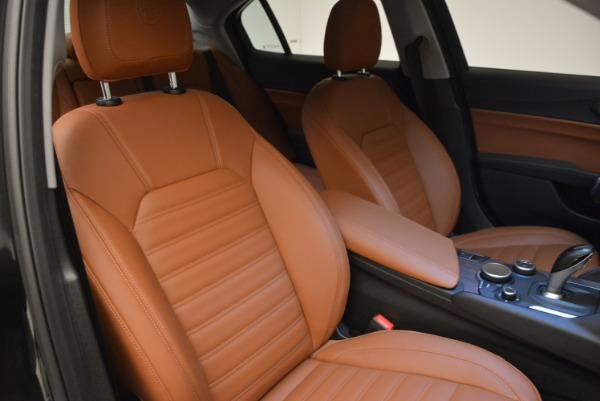 New 2018 Alfa Romeo Giulia Ti Lusso Q4 for sale Sold at Aston Martin of Greenwich in Greenwich CT 06830 23