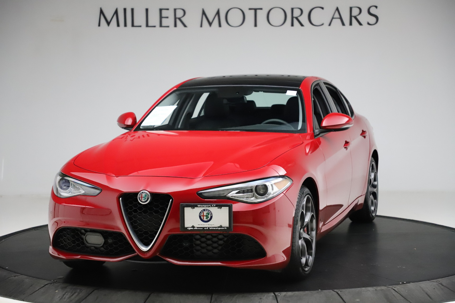 Used 2018 Alfa Romeo Giulia Ti Sport Q4 for sale $34,900 at Aston Martin of Greenwich in Greenwich CT 06830 1
