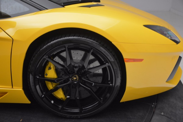 Used 2015 Lamborghini Aventador LP 700-4 Roadster for sale Sold at Aston Martin of Greenwich in Greenwich CT 06830 27