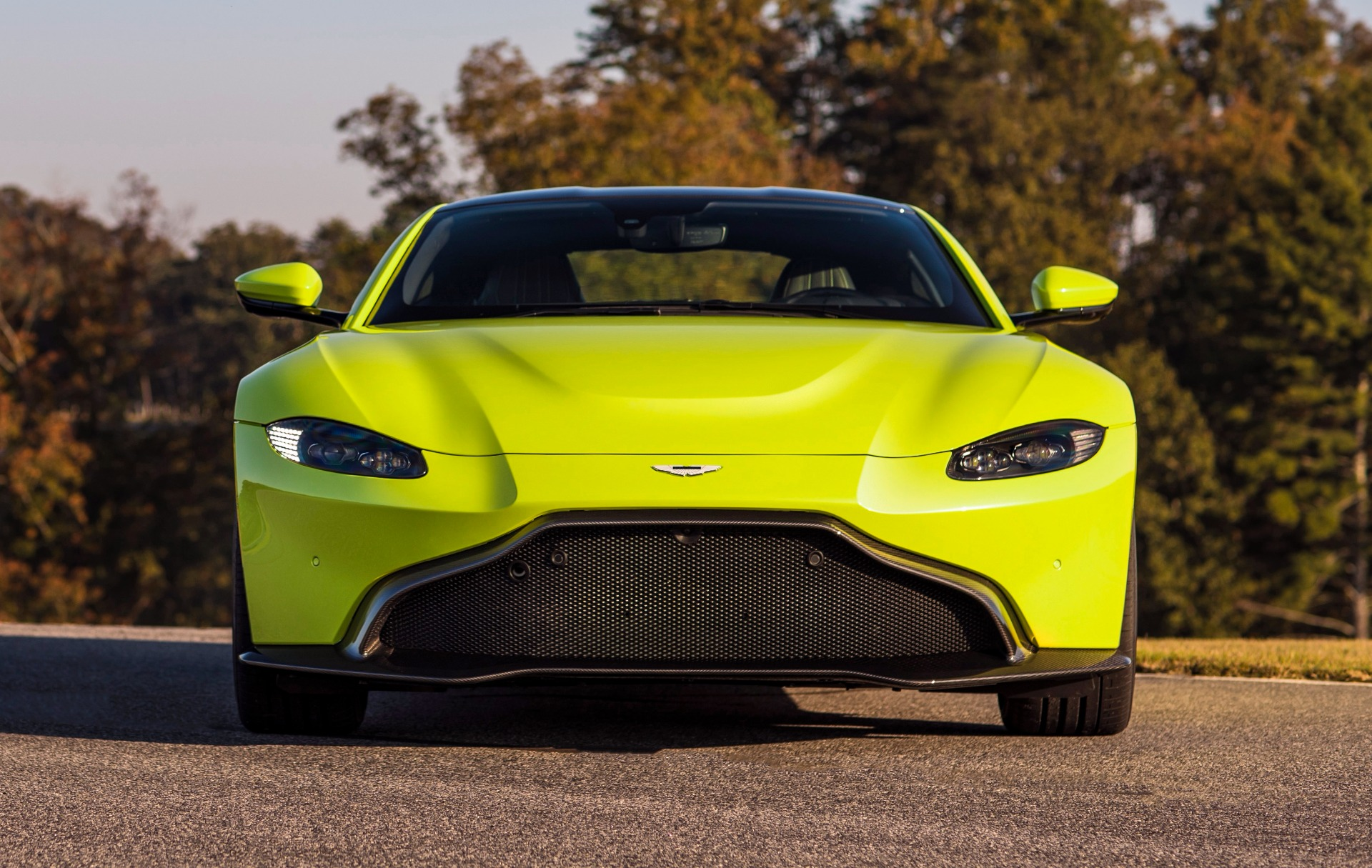New 2019 Aston Martin Vantage for sale Call for price at Aston Martin of Greenwich in Greenwich CT 06830 1