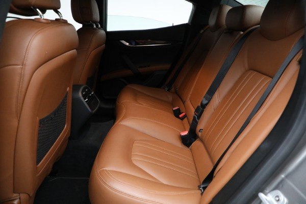 Used 2018 Maserati Ghibli S Q4 for sale Sold at Aston Martin of Greenwich in Greenwich CT 06830 17