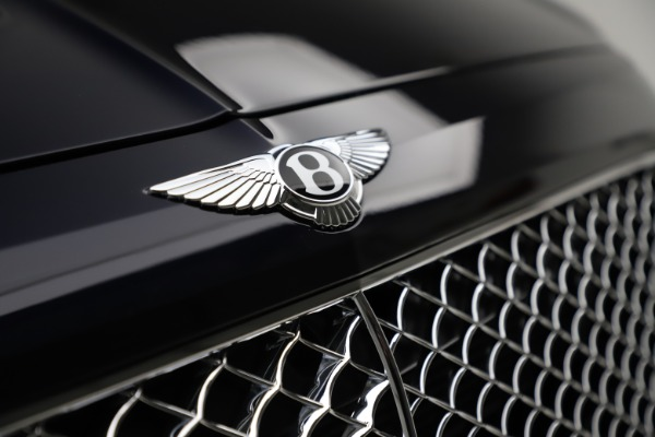 Used 2018 Bentley Bentayga W12 Signature for sale $154,900 at Aston Martin of Greenwich in Greenwich CT 06830 15