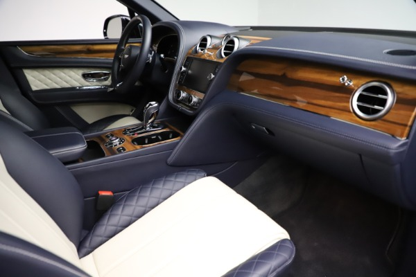 Used 2018 Bentley Bentayga W12 Signature for sale $154,900 at Aston Martin of Greenwich in Greenwich CT 06830 26