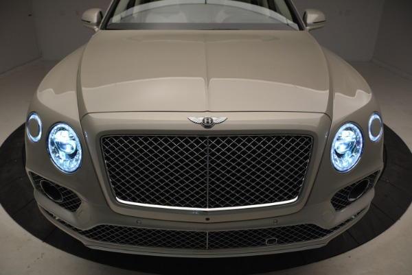New 2018 Bentley Bentayga Signature for sale Sold at Aston Martin of Greenwich in Greenwich CT 06830 14
