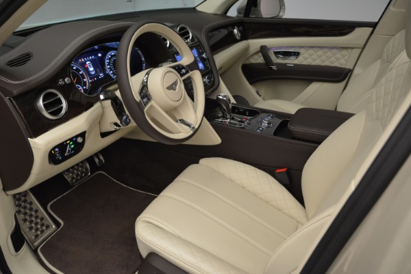 New 2018 Bentley Bentayga Signature for sale Sold at Aston Martin of Greenwich in Greenwich CT 06830 18