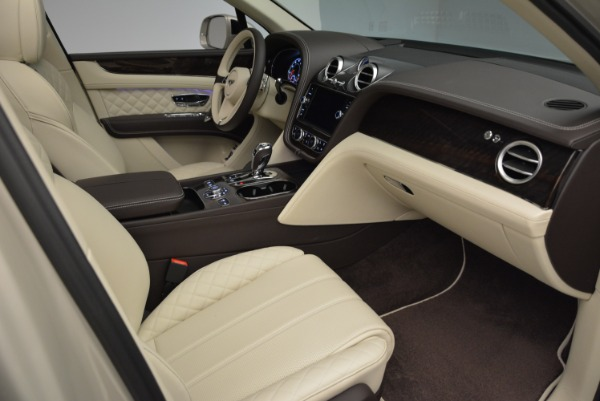 New 2018 Bentley Bentayga Signature for sale Sold at Aston Martin of Greenwich in Greenwich CT 06830 26