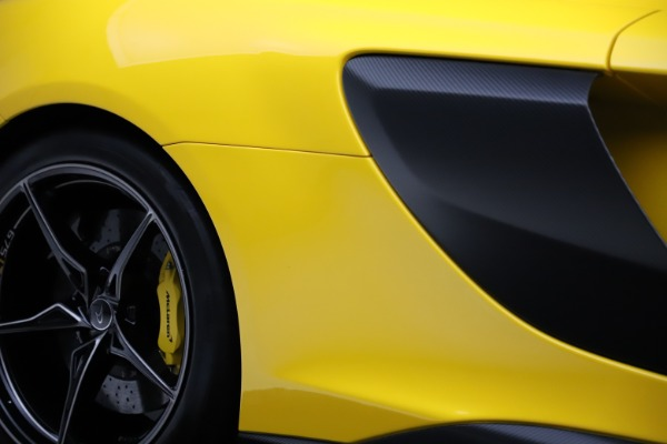 Used 2016 McLaren 675LT for sale $225,900 at Aston Martin of Greenwich in Greenwich CT 06830 27
