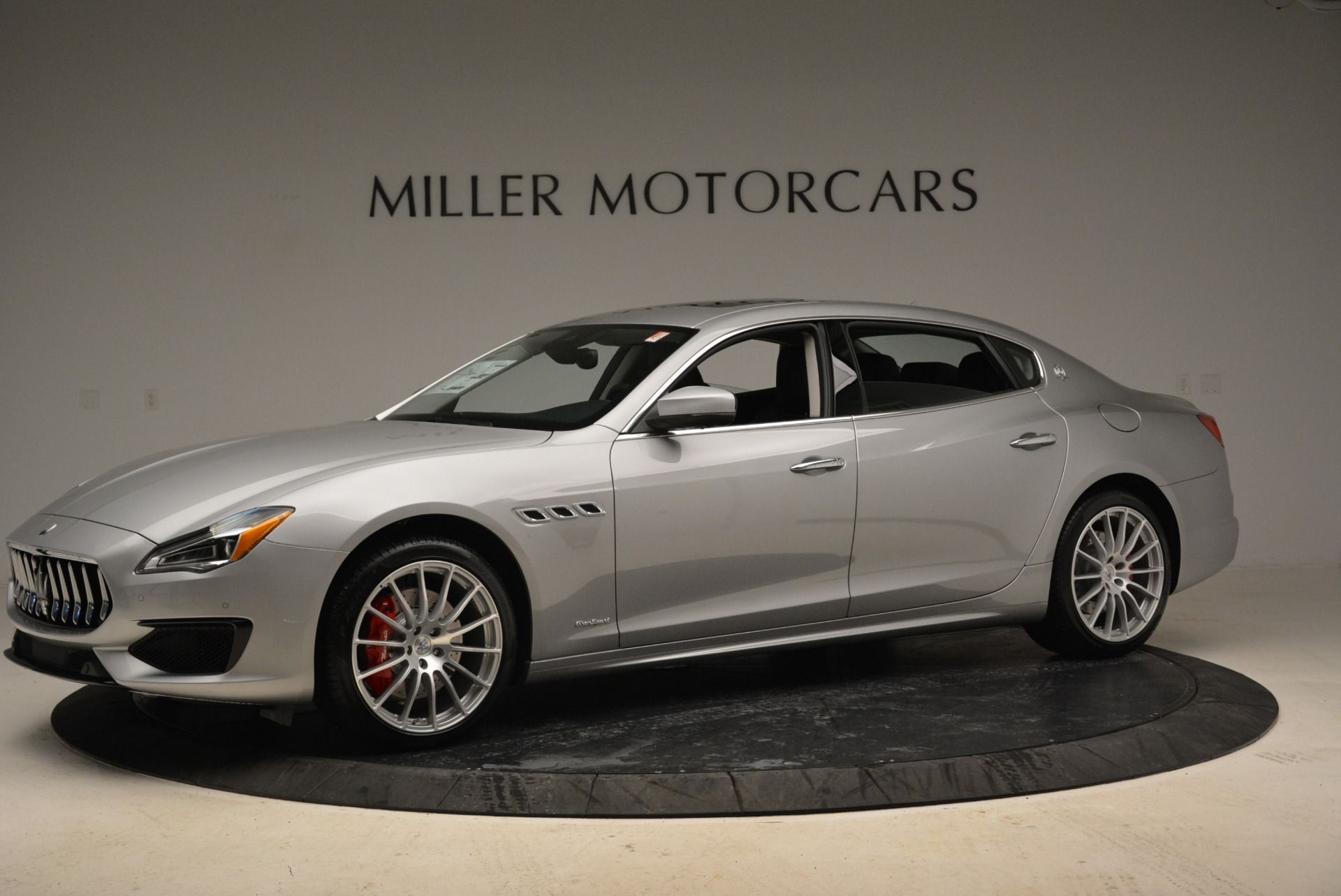 Used 2018 Maserati Quattroporte S Q4 Gransport for sale $66,900 at Aston Martin of Greenwich in Greenwich CT 06830 1