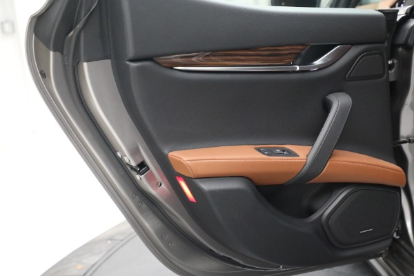 Used 2018 Maserati Ghibli S Q4 for sale $54,900 at Aston Martin of Greenwich in Greenwich CT 06830 24