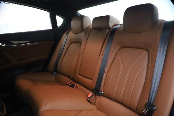 Used 2018 Maserati Quattroporte S Q4 GranLusso for sale $65,900 at Aston Martin of Greenwich in Greenwich CT 06830 18