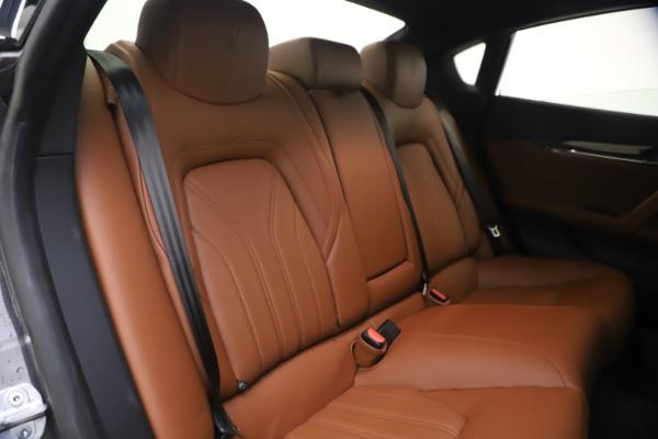 Used 2018 Maserati Quattroporte S Q4 GranLusso for sale $65,900 at Aston Martin of Greenwich in Greenwich CT 06830 24