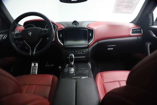 Used 2018 Maserati Ghibli S Q4 GranSport for sale $55,900 at Aston Martin of Greenwich in Greenwich CT 06830 16