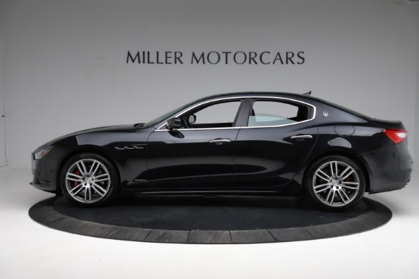 Used 2018 Maserati Ghibli S Q4 Gransport for sale $55,900 at Aston Martin of Greenwich in Greenwich CT 06830 3