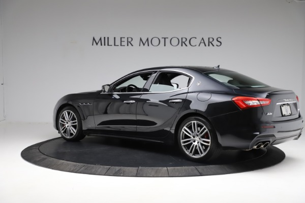 Used 2018 Maserati Ghibli S Q4 Gransport for sale $55,900 at Aston Martin of Greenwich in Greenwich CT 06830 4