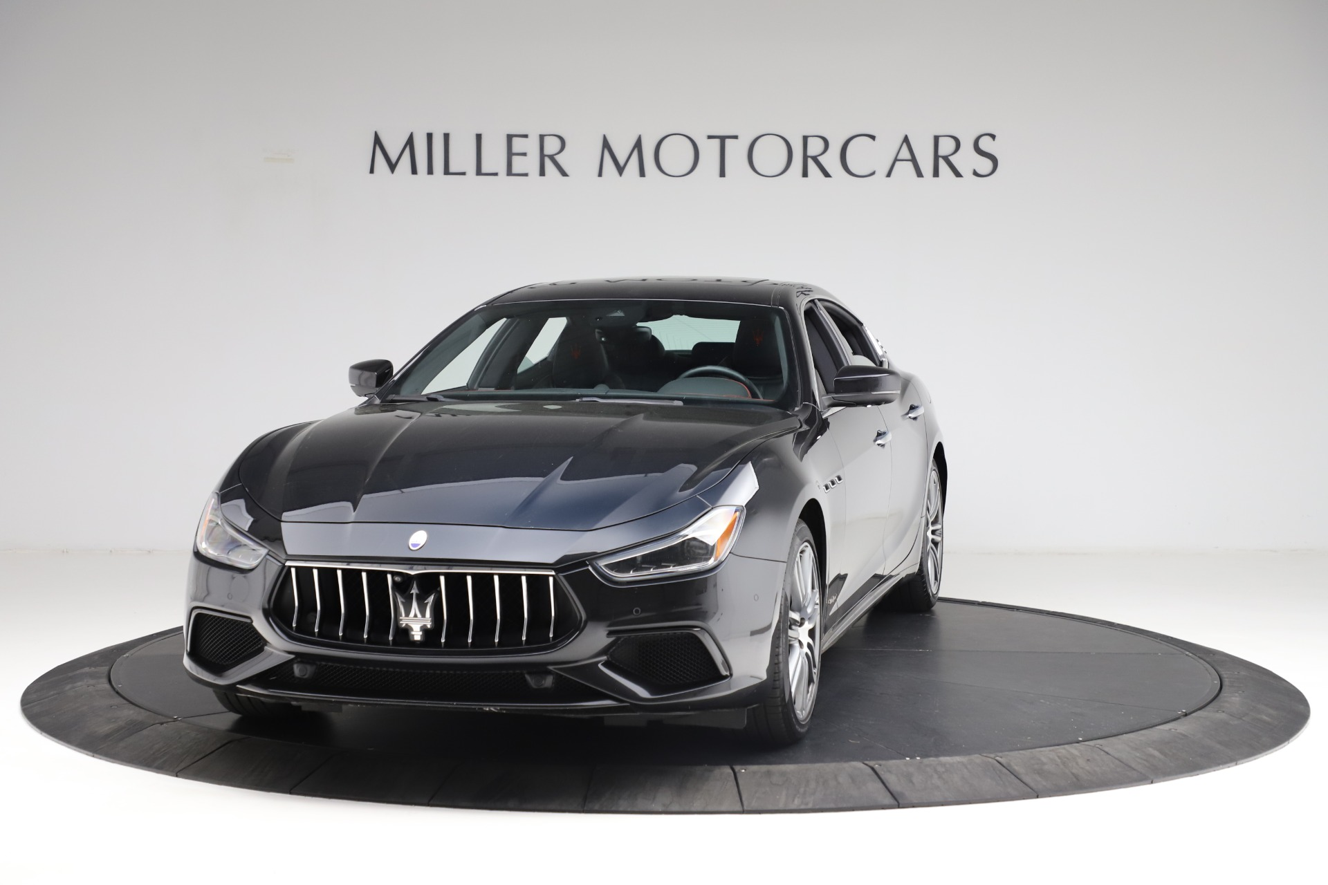 Used 2018 Maserati Ghibli S Q4 Gransport for sale $55,900 at Aston Martin of Greenwich in Greenwich CT 06830 1