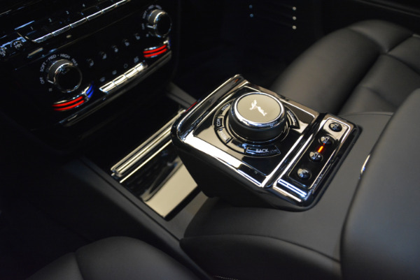 Used 2018 Rolls-Royce Phantom for sale Sold at Aston Martin of Greenwich in Greenwich CT 06830 15