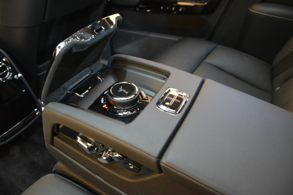 Used 2018 Rolls-Royce Phantom for sale Sold at Aston Martin of Greenwich in Greenwich CT 06830 20
