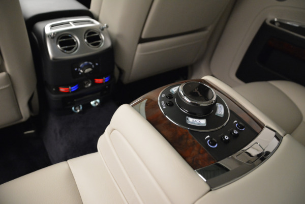 Used 2015 Rolls-Royce Ghost for sale $159,900 at Aston Martin of Greenwich in Greenwich CT 06830 28
