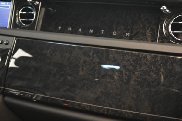 Used 2014 Rolls-Royce Phantom EWB for sale Sold at Aston Martin of Greenwich in Greenwich CT 06830 24