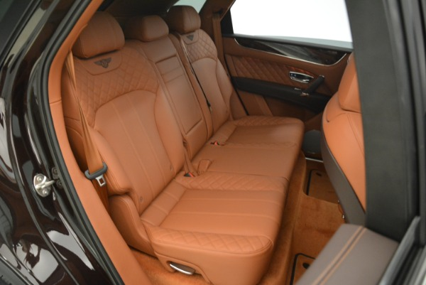 New 2018 Bentley Bentayga Signature for sale Sold at Aston Martin of Greenwich in Greenwich CT 06830 17