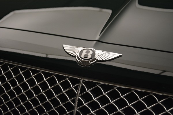 New 2018 Bentley Bentayga Signature for sale Sold at Aston Martin of Greenwich in Greenwich CT 06830 15