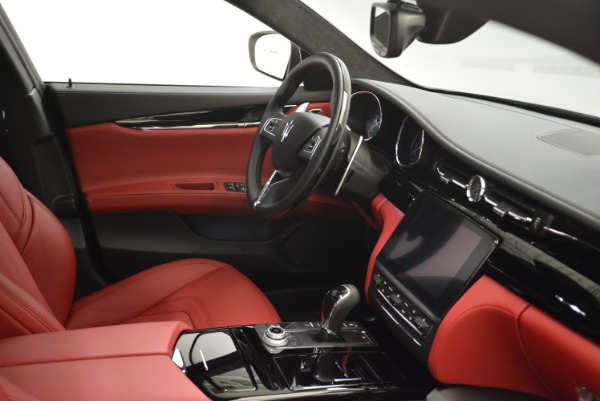 New 2018 Maserati Quattroporte S Q4 GranLusso for sale Sold at Aston Martin of Greenwich in Greenwich CT 06830 27