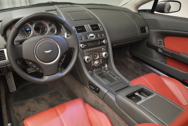 Used 2009 Aston Martin V8 Vantage Roadster for sale Sold at Aston Martin of Greenwich in Greenwich CT 06830 26