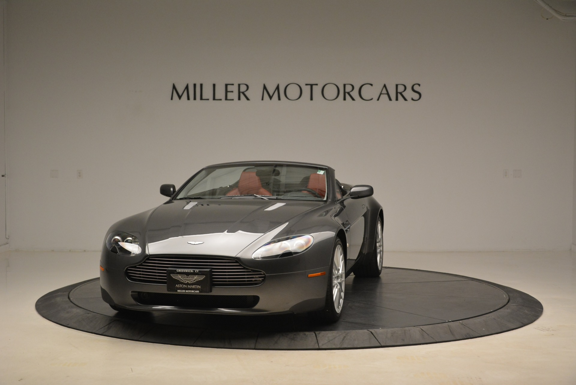 Pre Owned 2009 Aston Martin V8 Vantage Roadster For Sale 52 900 Aston Martin Of Greenwich Stock 7333