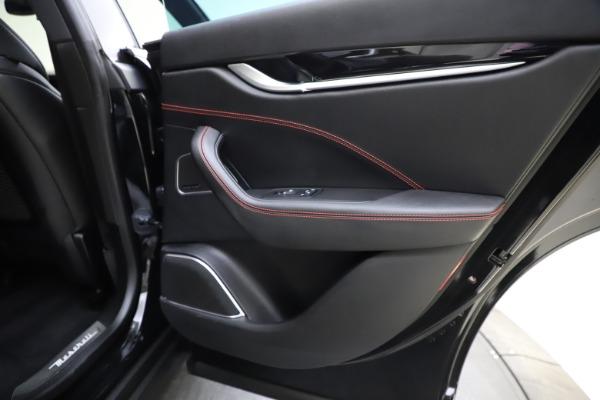 Used 2018 Maserati Levante Q4 GranSport for sale $53,900 at Aston Martin of Greenwich in Greenwich CT 06830 27