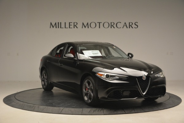New 2018 Alfa Romeo Giulia Sport Q4 for sale Sold at Aston Martin of Greenwich in Greenwich CT 06830 11