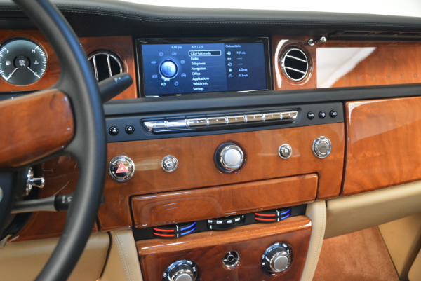 Used 2013 Rolls-Royce Phantom for sale Sold at Aston Martin of Greenwich in Greenwich CT 06830 16