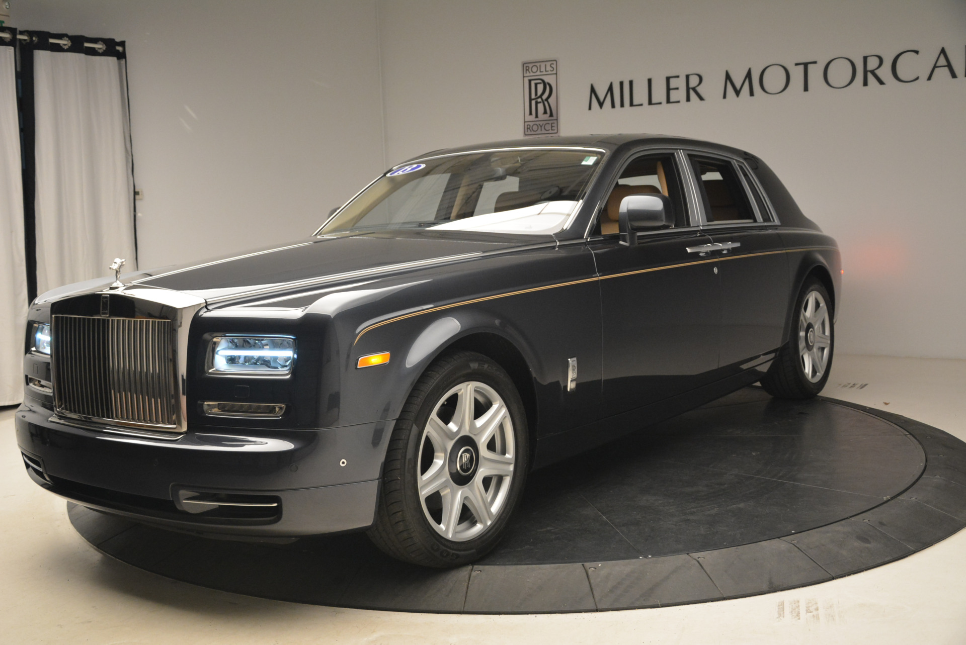 Used 2013 Rolls-Royce Phantom for sale Sold at Aston Martin of Greenwich in Greenwich CT 06830 1