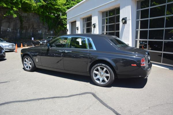 New 2016 Rolls-Royce Phantom for sale Sold at Aston Martin of Greenwich in Greenwich CT 06830 4