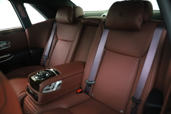 Used 2016 Rolls-Royce Ghost for sale $167,900 at Aston Martin of Greenwich in Greenwich CT 06830 15