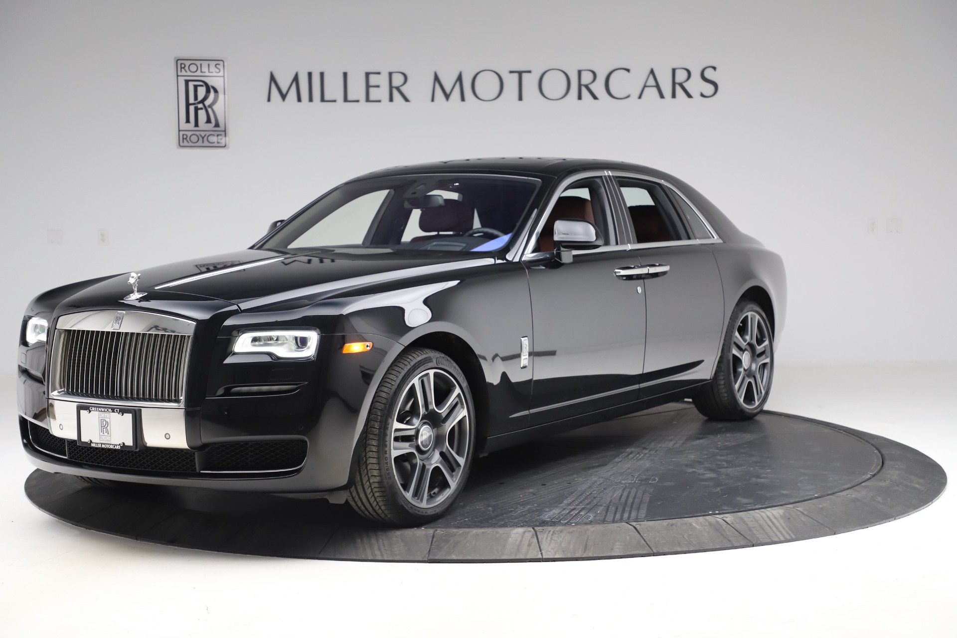 Used 2016 Rolls-Royce Ghost for sale $174,900 at Aston Martin of Greenwich in Greenwich CT 06830 1