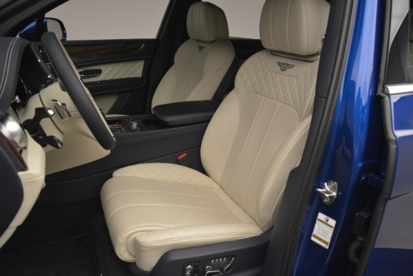 Used 2018 Bentley Bentayga W12 Signature for sale Sold at Aston Martin of Greenwich in Greenwich CT 06830 17