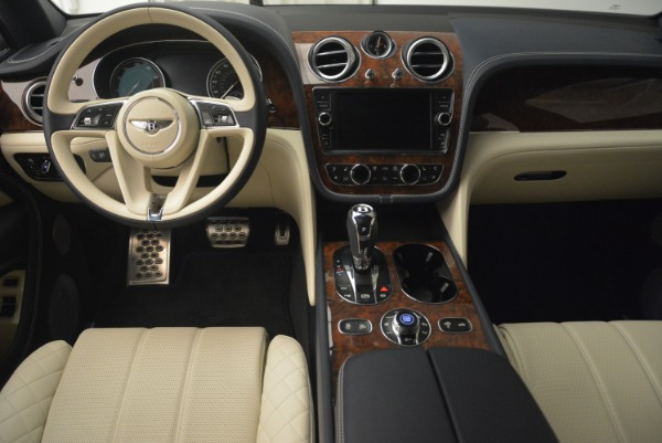 Used 2018 Bentley Bentayga W12 Signature for sale Sold at Aston Martin of Greenwich in Greenwich CT 06830 22