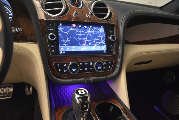 Used 2018 Bentley Bentayga W12 Signature for sale $169,900 at Aston Martin of Greenwich in Greenwich CT 06830 23