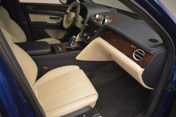 Used 2018 Bentley Bentayga W12 Signature for sale Sold at Aston Martin of Greenwich in Greenwich CT 06830 24